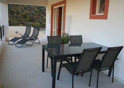 villa-dianthe-balcony