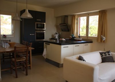 villa-dianthe-kitchen-view