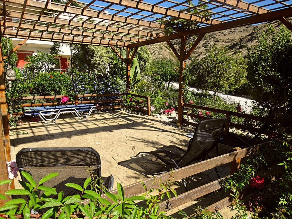 villa-dianthe-garden-2020-03