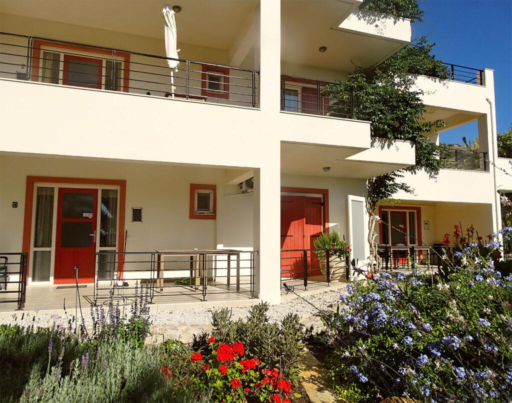 villa-dianthe-garden-2020-04